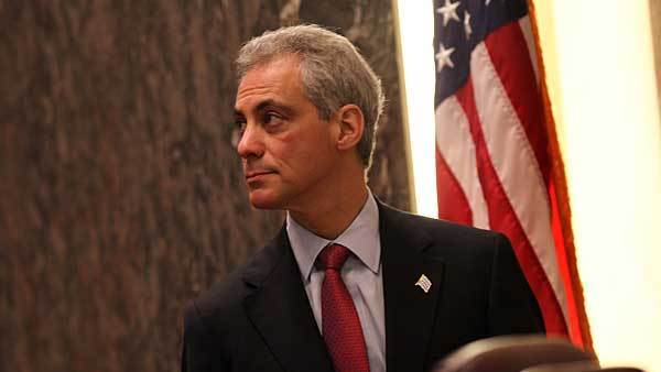 Mayor Rahm Emanuel arrives for the city council meeting Feb 13, 2013.