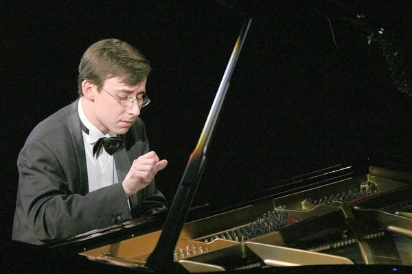 Alexander Kobrin, shown here at the Van Cliburn competition, is the feature soloist performing Rachmaninoff's Piano Concerto No. 3 with the Hartford Symphony Orchestra.