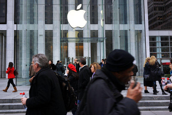 Apple and dissident shareholder Greenlight Capital are schedule to face off in a New York courtroom next week. Above, an Apple Store in New York.