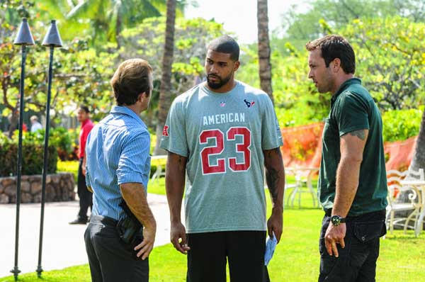 "The Pro Bowl is the backdrop for a murder investigation on ""Hawaii Five-0"" at 10 p.m. on CBS. With Scott Caan, left, Arian Foster and Alex O'Loughlin."