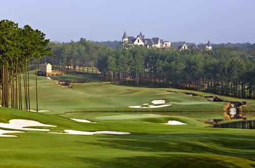 <b>Ross Bridge</b><br> <br> The Renaissance Ross Bridge Golf Resort and Spa in Hoover, Ala., overlooks the golf course, which is built on more than 300 acres, twice the size of most golf courses.