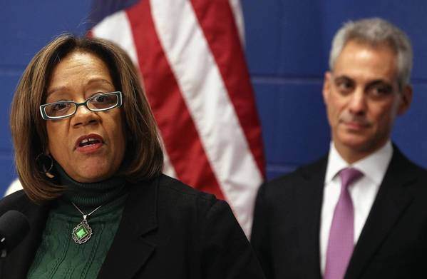 Chicago Public Schools CEO Barbara Byrd-Bennett and Mayor Rahm Emanuel.