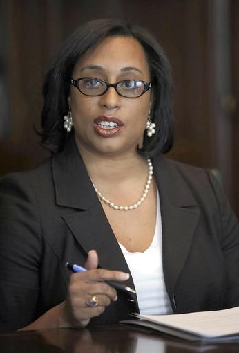 State Sen. Toi Hutchinson dropped out of the 2nd District special Democratic primary Sunday in a move that shakes up the Democratic field.