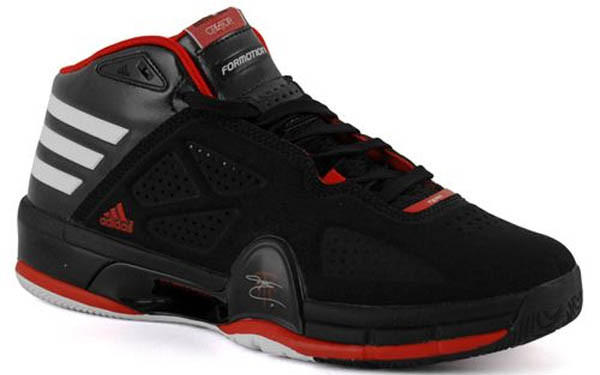 Rose showed these off in various colorways as he competed in the Rookie/Sophomore game and then easily won the Skills Challenge in '09.