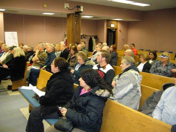 Des Plaines residents hear about a FEMA-led program to buy ouf flood-prone homes.