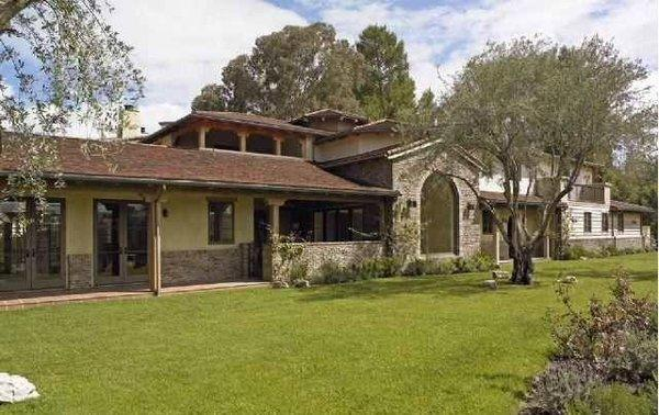 LeAnn Rimes and Eddie Cibrian buy a short sale in Hidden Hills for $3 million.