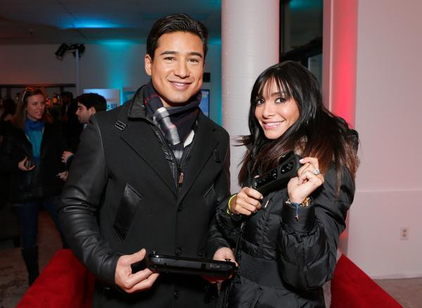 Mario Lopez, Courtney Laine Mazza pregnant