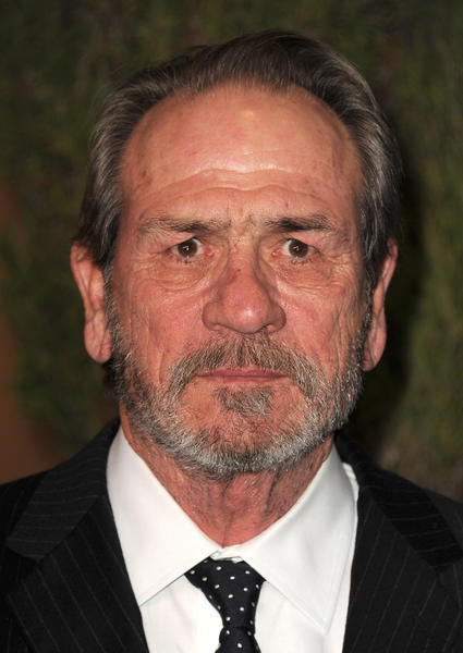 Tommy Lee Jones better look disgruntled and grandfatherly-angry all the time, because his faces at the Golden Globes were classic.