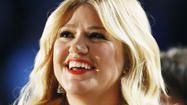 Kelly Clarkson begs to differ with Clive Davis -  vehemently