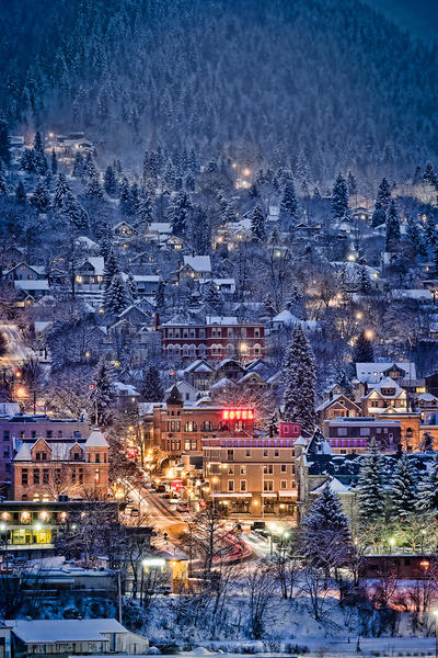 Winter is a charming season -- especially for skiers -- in the town of Nelson in southeastern British Columbia.