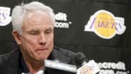 To replace Jerry Buss, Lakers should dream of Jeanie