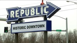 Republic Historical Society points to bygone era by restoring old sign