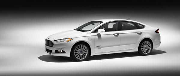The Fusion Energi is rated by the EPA at 100 miles per gallon equivalent. Its electric-only range is 21 miles and its gas and electric range is 620 miles.
