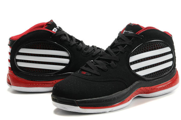 Rose wore these to start his sophomore year in the NBA.