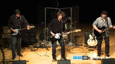 Chicago Live! Performance by Shoes