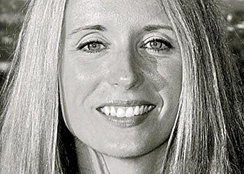 Abe¿s Market has appointed Kimberley Grayson as its chief revenue officer. Grayson will fold marketing and merchandising into one system to help drive faster revenue growth and will report  to CEO and founder Richard Demb. Previously, Grayson has led marketing initiatives for large corporations such as Ulta Beauty, The Children¿s Place, Gap Inc., Aerogroup International and Bloomingdales.