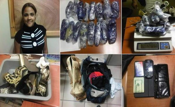 Medios de comunicacin dominicanos informaron que de acuerdo a fuentes annimas, la artista fue capturada con al menos 1.8 kilos de herona escondidos supuestamente en los tacones de sus zapatos y en otras prendas similares que cargaba su equipaje.