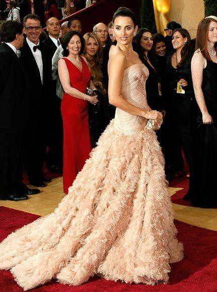 Academy Awards fashions through the years: Penelope Cruz, 2007