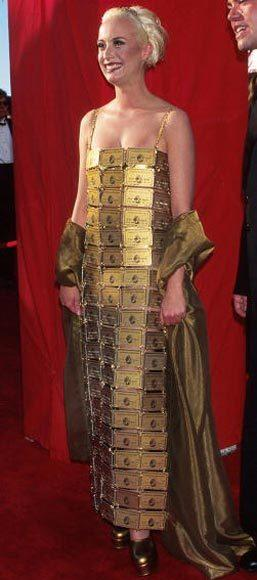Academy Awards fashions through the years: Lizzy Gardiner, 1995