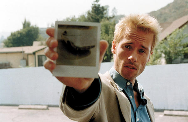 "Another actor snubbed for ""L.A. Confidential,"" Pearce is still waiting on his first Oscar nom. Were voters suffering from short-term memory loss when they forgot his work as Leonard Shelby in Christopher Nolan's 2001 breakout movie ""Memento""?"