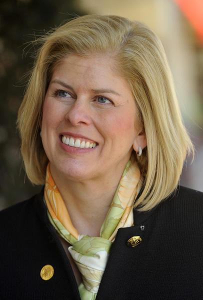 Laura Neuman