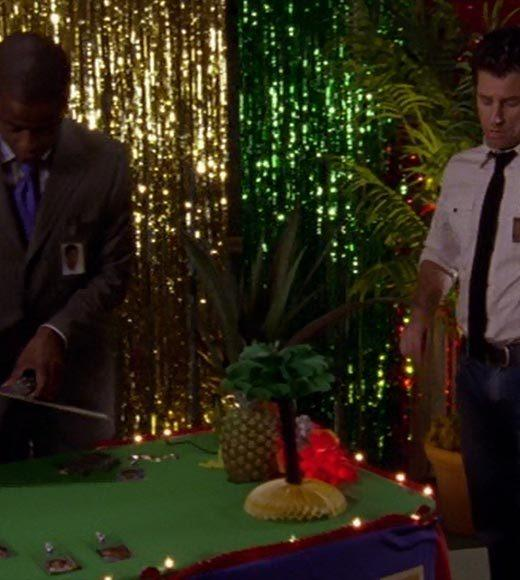 'Psych': The pineapple in (almost) every episode: There are pineapple decorations all over the high school reunion.  Extra bonus points: Gus, dont be an incorrigible Eskimo Pie with a caramel ribbon.