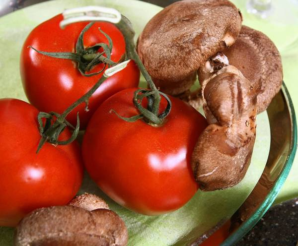 Got tomatoes and mushrooms? Make soup