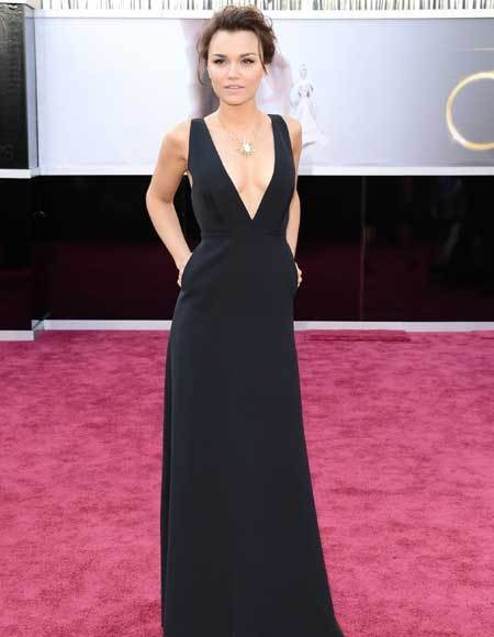 Oscars 2013: Academy Awards red carpet arrival pics: Samantha Barks