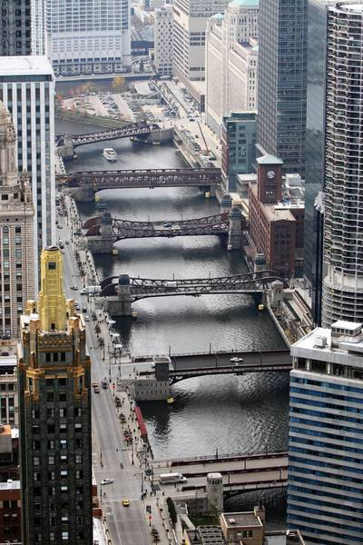 One of the proposals from Choose Chicago calls for bubble-type cable cars to glide above the Chicago River.