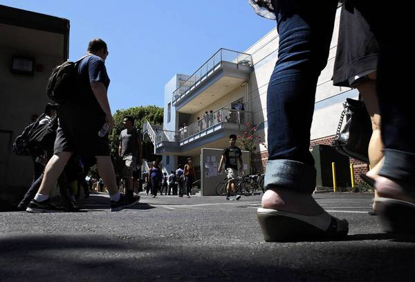 Students head to classes at East Los Angeles College in Monterey Park. The nine-campus Los Angeles community college district is the nations largest, with an overall annual budget of $3.5 billion and 240,000 students.