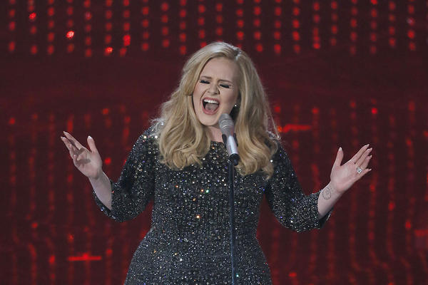 "Adele sings ""Skyfall"" at the Oscars."