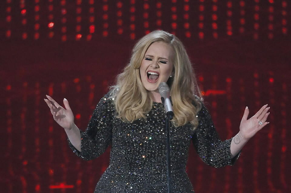 "Adele sings ""Skyfall"" at the Oscars."