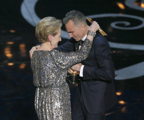 Meryl Streep congratulates Daniel Day-Lewis on his lead actor Oscar.