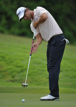Adam Scott is one of the golfers who use a belly putter on the PGA Tour.