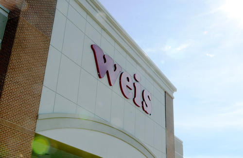 An exterior shot of the new Weis grocery store in Towson.