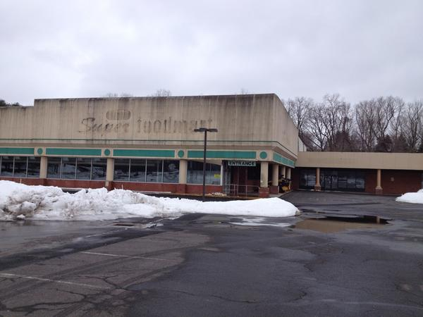 After years of trying to the sell the shopping center, the current owners, heirs of the late Easton real estate investor Kurt Hersher, decided recently to auction it off.