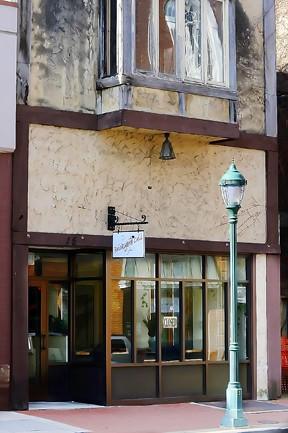 Brickyard Grill on West Washington Street closed its doors Monday.
