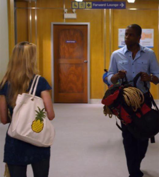 'Psych': The pineapple in (almost) every episode: Theres a pineapple on the girls tote bag in the hallway.  Extra bonus points: Gus, dont be the one game at Chuck E. Cheese that isnt broken.