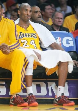 Lakers guard Kobe Bryant watches the final minutes of the 125-101 loss to the