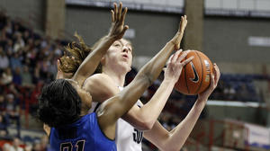 Teammates Work To Get UConn's Stewart Back On Track