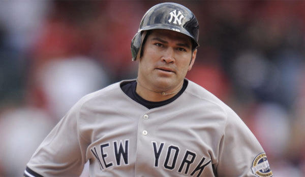 Johnny Damon, shown with the New York Yankees in 2009, says he has repeatedly offered to return to his former team.