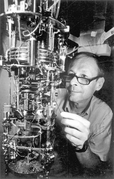 "Richardson shared a Nobel Prize for a key discovery in experimental physics. He was 75.  <a href=""http://www.latimes.com/news/obituaries/la-me-passings-20130221,0,3302139.story"" class=""center_label"">Full obituary</a>   <br> <a href=""http://www.latimes.com/news/obituaries/la-me-2012notables-gallery,0,1269713.photogallery""><span class=""center_label"">Notable deaths of 2012</span></a>"