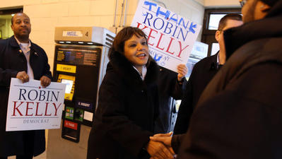 Kelly easily wins Democratic race to replace Jesse Jackson Jr. in Congress