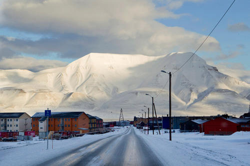 Dying in Longyearbyen is not recommended- no burials are permitted in this Arctic town, for the temperatures are so freezing that bodies cannot decompose properly.  If you die here, expect to be put to rest elsewhere.