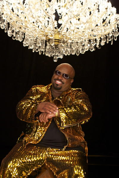 With costumes that would make Liberace proud, rapper Cee Lo Green begins a 28-show run at Planet Hollywood in Las Vegas.