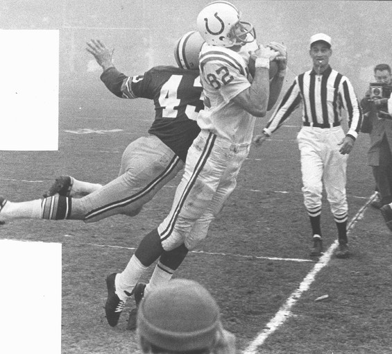 Sun archives: Baltimore Colts photos - Raymond Berry