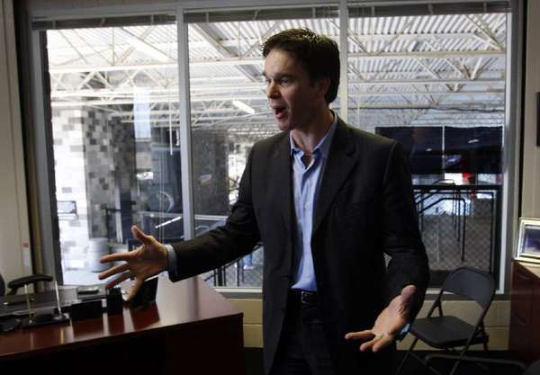 Luc Robitaille is one of the six people being added this year to the California Sports Hall of Fame.