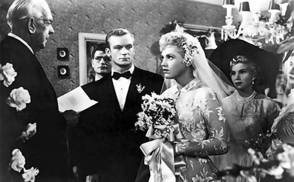 Judy Holliday and Aldo Ray are in the middle of a divorce when the judge urges them to remember the good times.