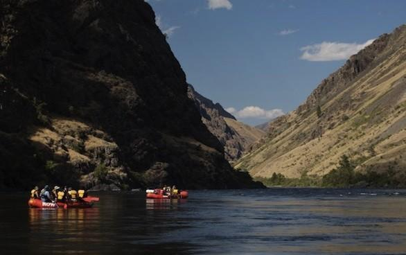 Rafts on the Snake River pass through North America's deepest river gorge.