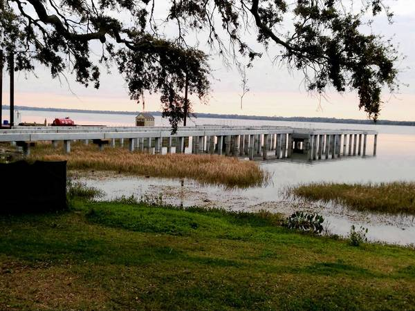 Tavares' Pavilion on the Lake is under construction over Lake Dora.